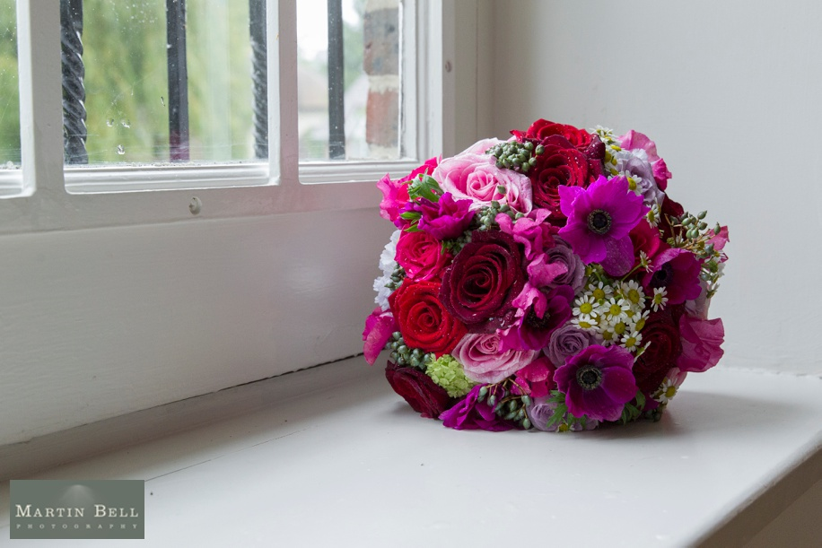 vibrant pink and and red wedding bouquet ideas