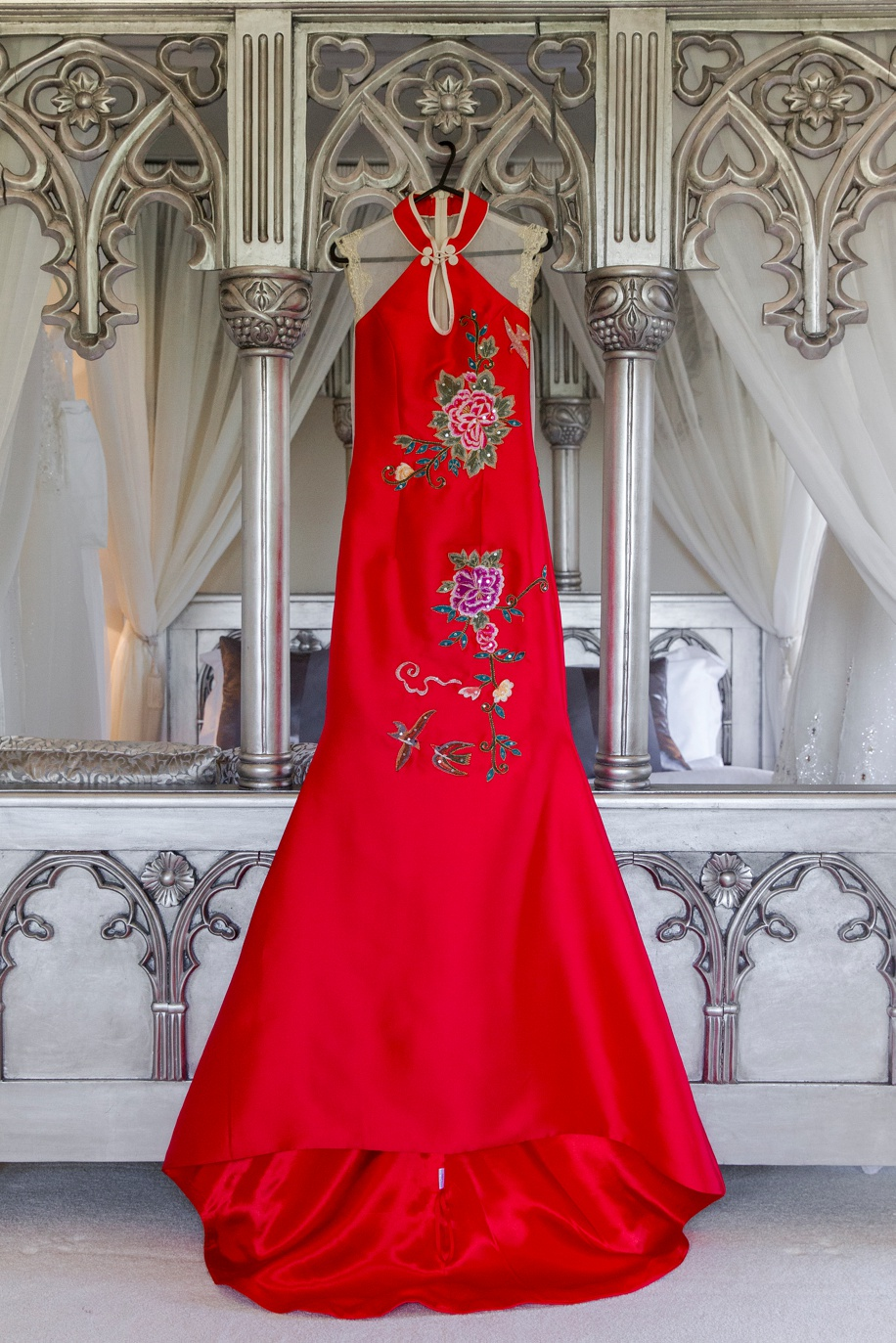 Stunning Chinese red wedding dress - Manor by the Lake - Martin Bell Photography
