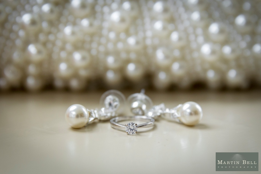Pearl Bride's accessory ideas