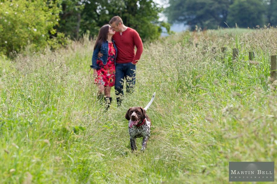 Fun couple photography ideas with a dog