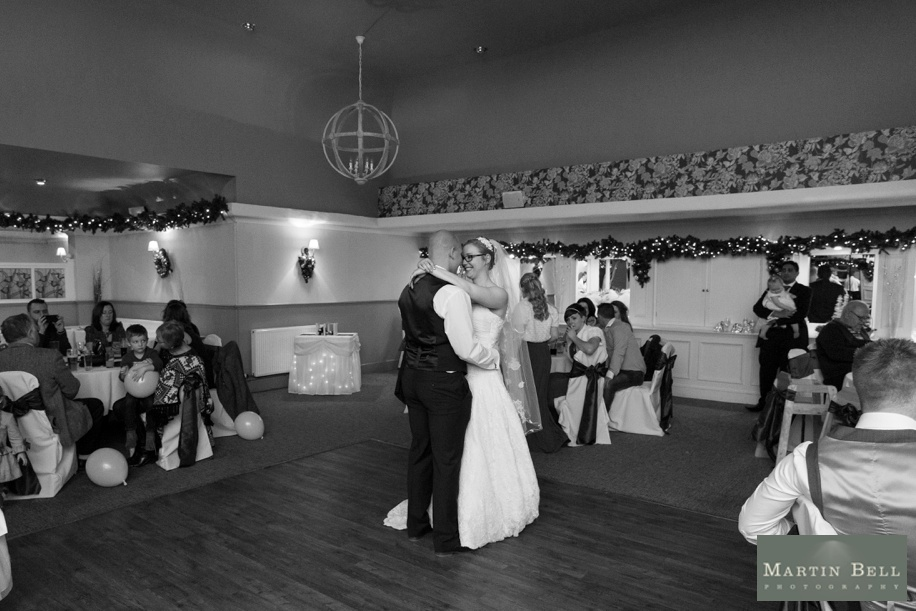 Potters Heron wedding - the first dance