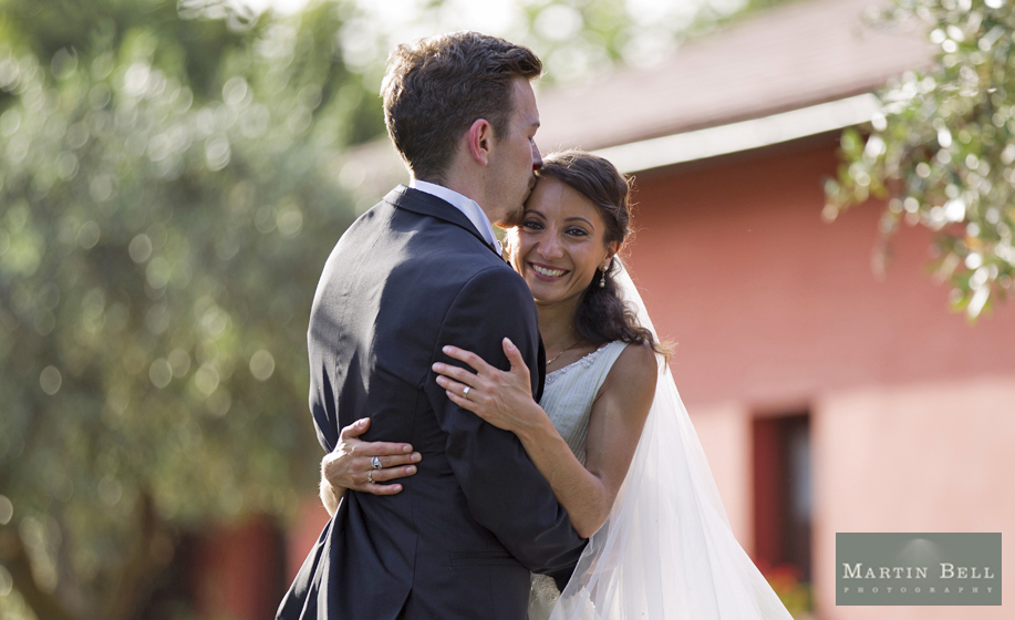 10 top tips to finding your perfect wedding photographer