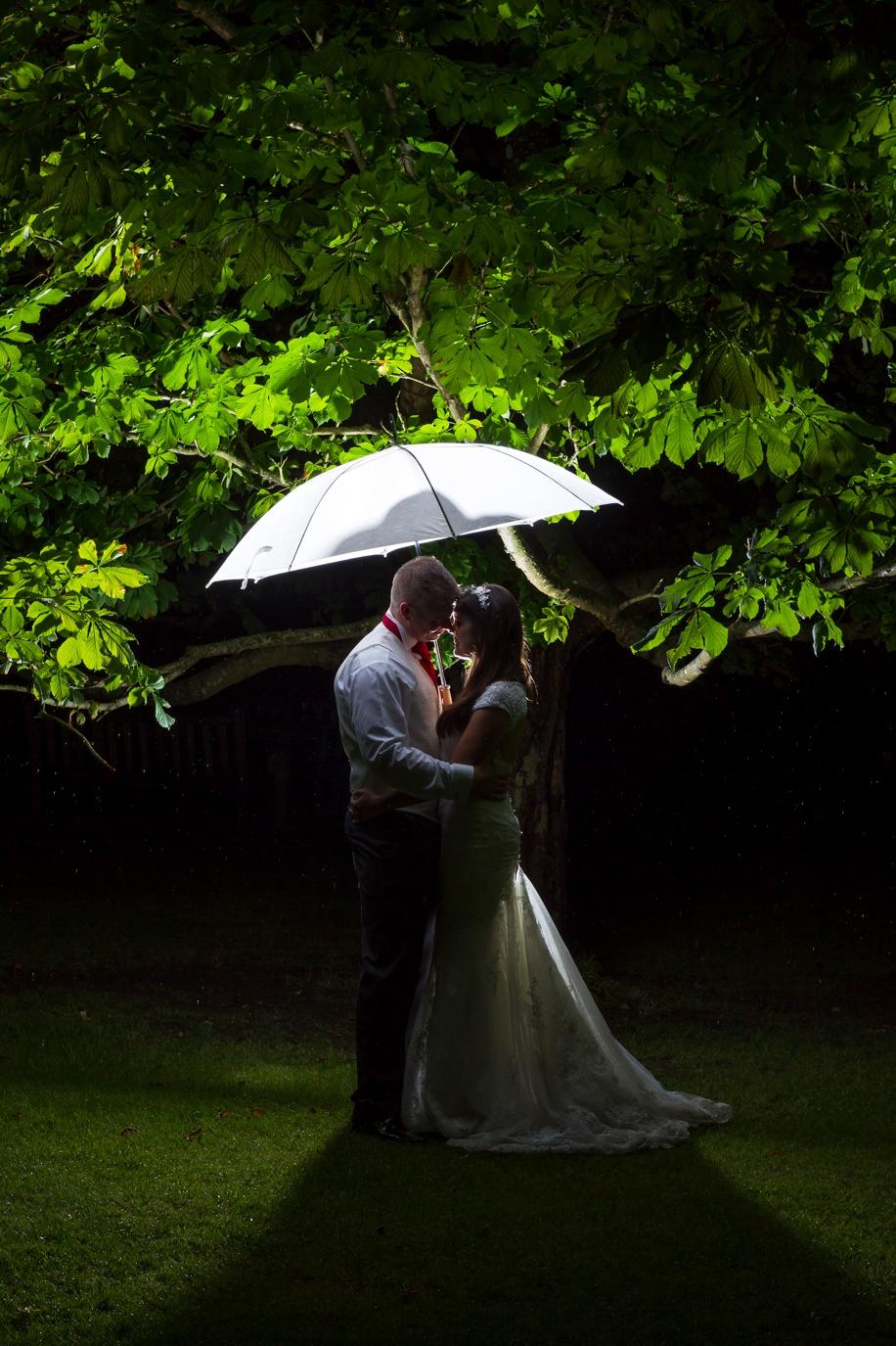 Amazing wedding photograph ideas in the rain - Manor barn Buriton
