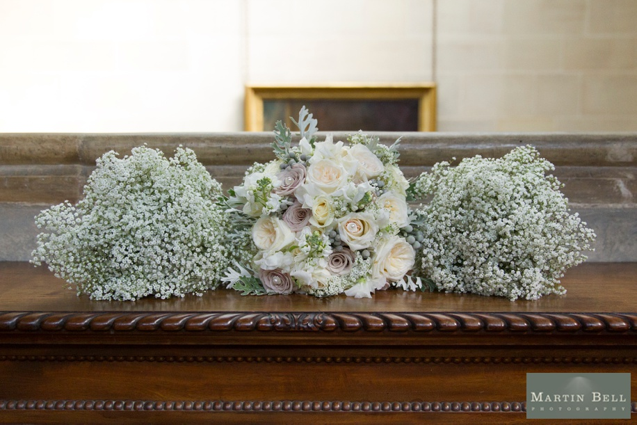 Dusky pink and cream wedding bouquet ideas