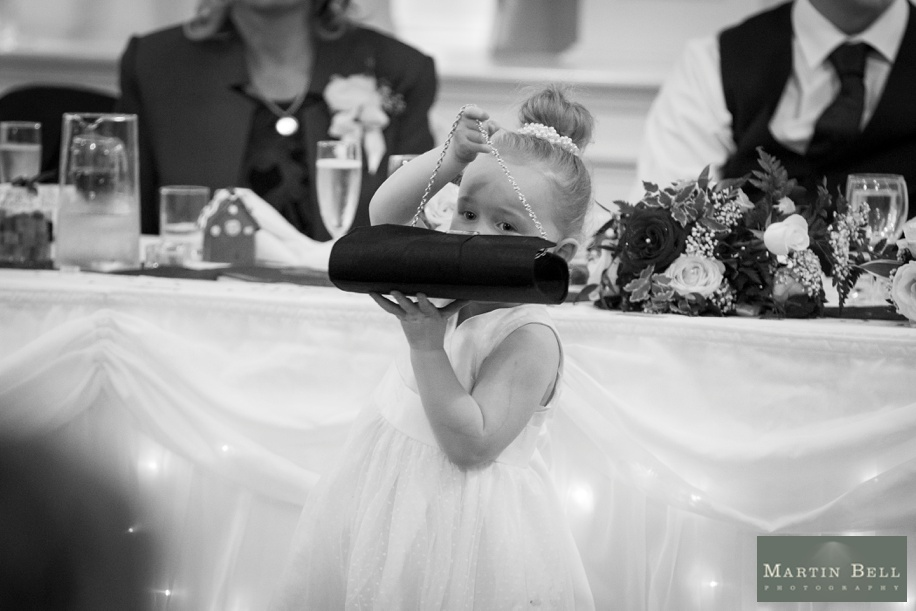 documentary wedding photography at a potters heron wedding