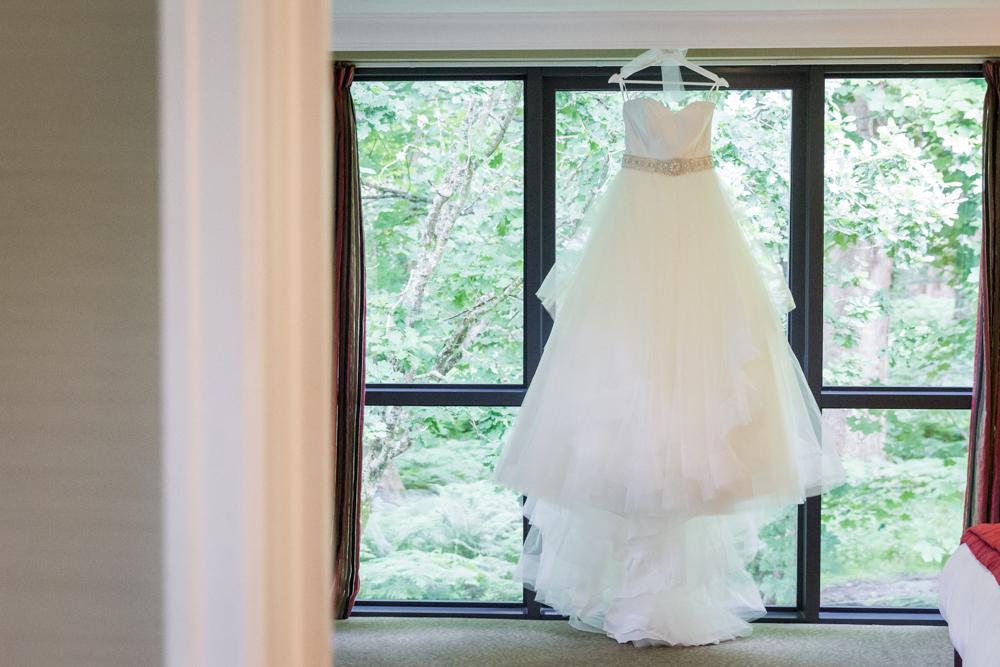 Amazing wedding dress - New Forest wedding photography