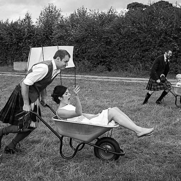 Hampshire wedding photographer ~ Helen & David